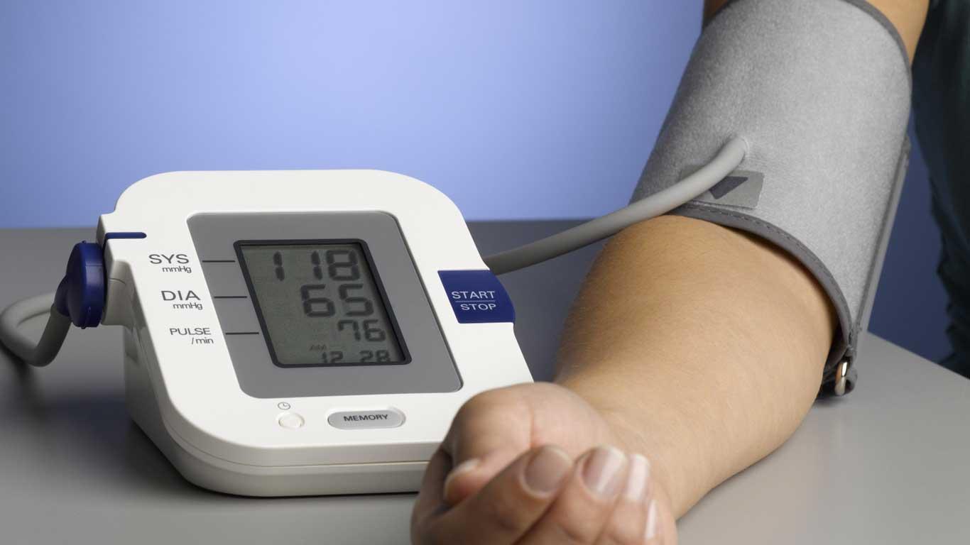 11 أفضل جهاز قياس الضغط وميزات كل منها في 2021