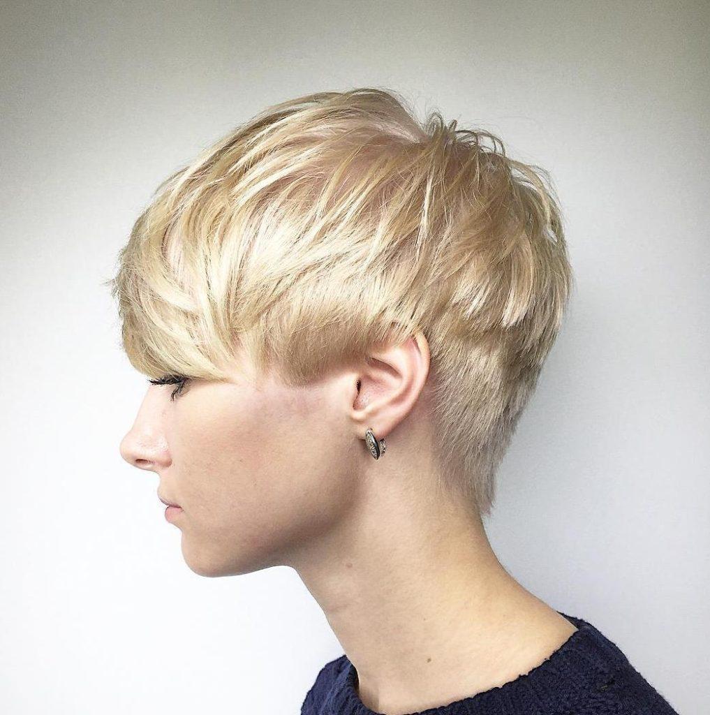 15- Short Wedge Haircut