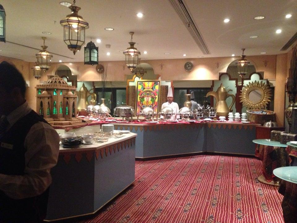 مطعم النخيل